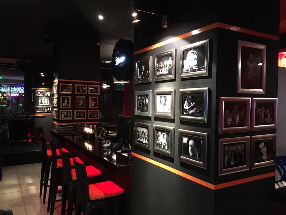 One Lounge bar Manta