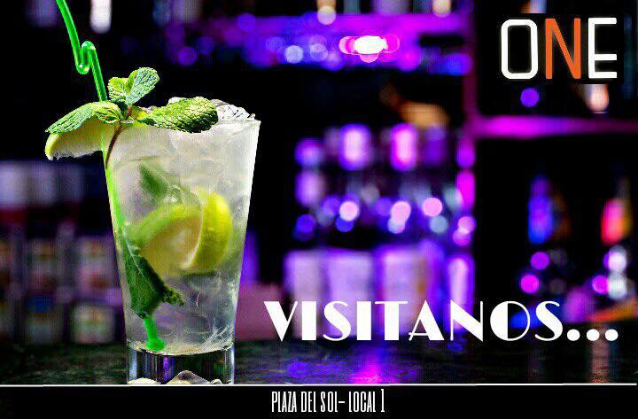 One Lounge Bar Plaza del Sol Manta